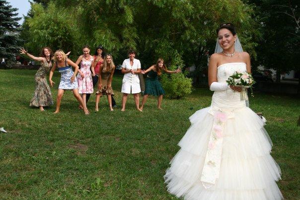 Поймала букет беременной невесты 11